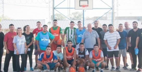 Inauguraron cancha de básquet en cárcel bonaerense con un partido entre internos y penitenciarios