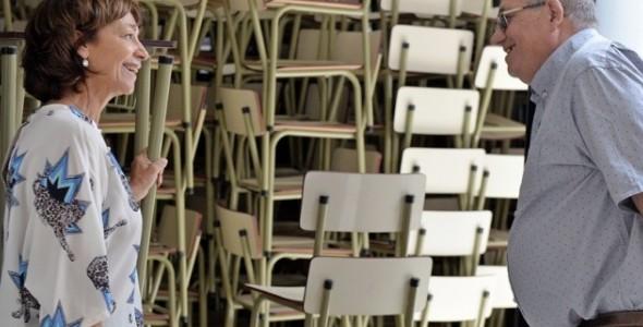 Bomberos Voluntarios de San Fernando cuida el nuevo mobiliario que el Municipio cederá a escuelas